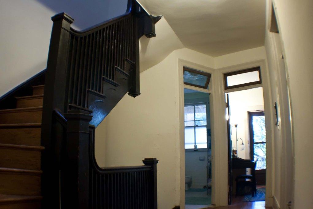 Hall01